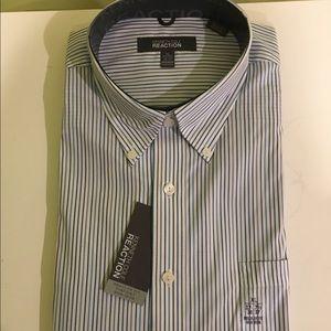 *NEW* Kenneth Cole Casual Button down